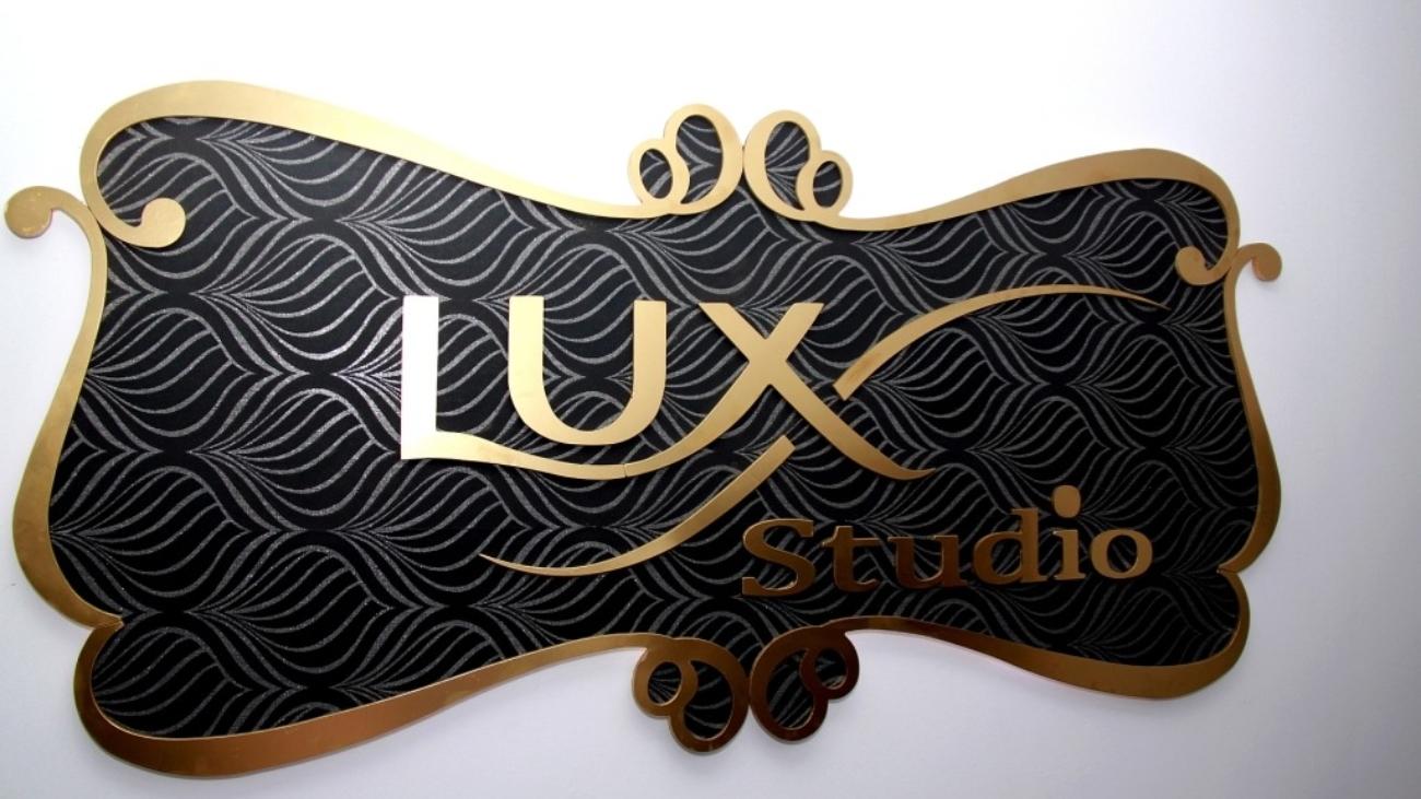 logo lux studio videochat bacau
